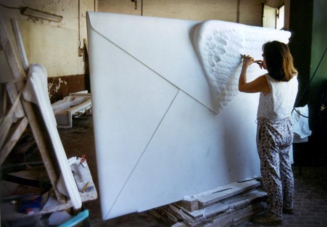 Silvina-Spravkin-Pietrasanta-Sculpture-Airmail-Marble