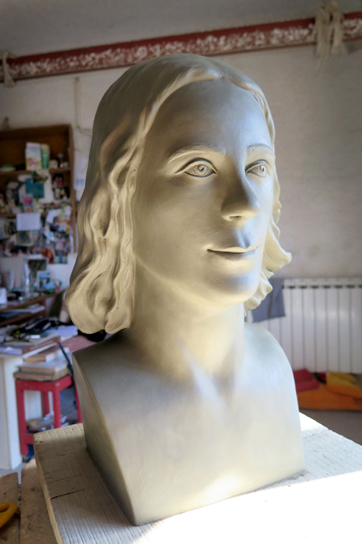 Silvina-Spravkin-Pietrasanta-Sculpture-Commission