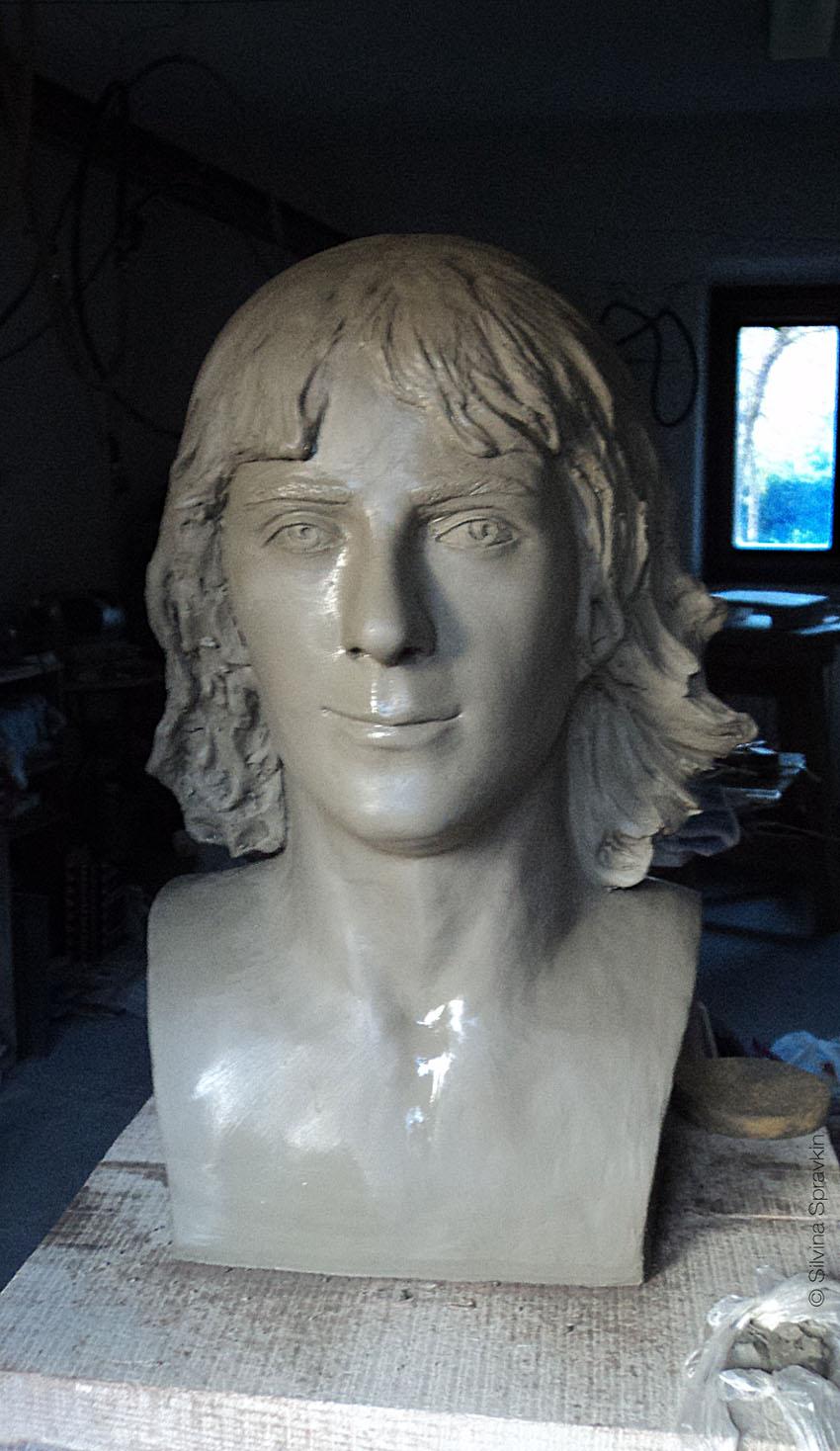 Silvina-Spravkin-Eri-Tu-clay-sculpture