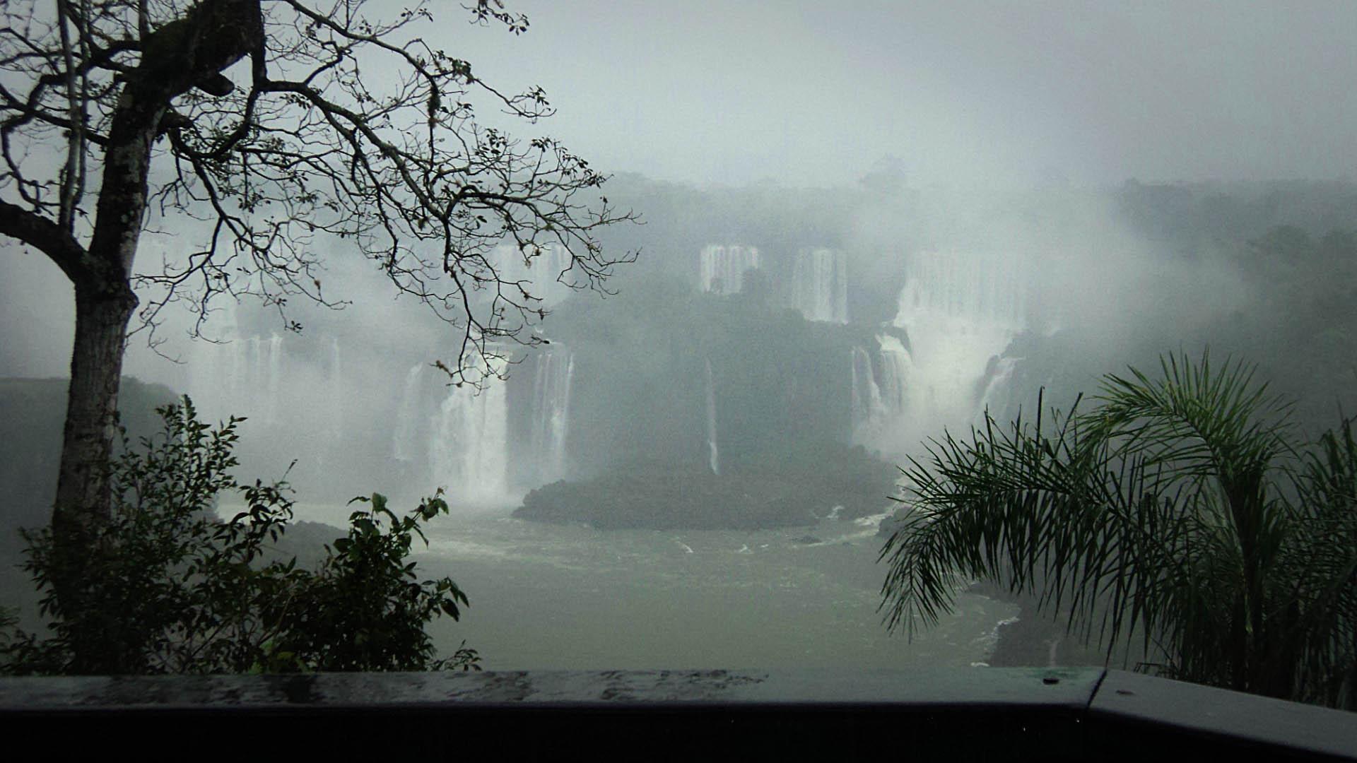 Silvina-Spravkin-Sculptor-Iguazu-panorama